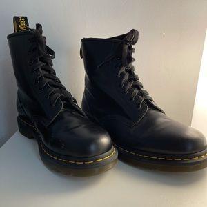 Matte Black Doc Martins, Size UK 9 🖤